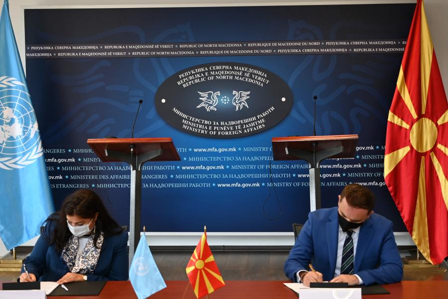 Minister of Foreign Affairs Bujar Osmani and Rossana Dudziak, UN Resident Coordinator sign the new UN SDCF 2021 - 2025